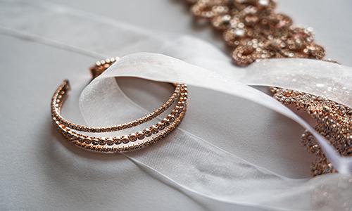 Quelles sont les causes d'une allergie aux bijoux ?
